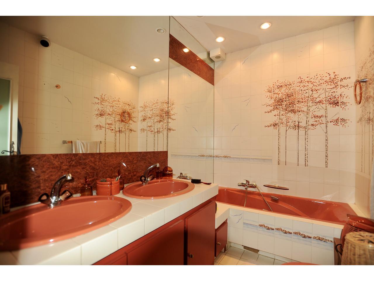 immobilier maison nice a vendre pessicart belle propriete dominante. Black Bedroom Furniture Sets. Home Design Ideas